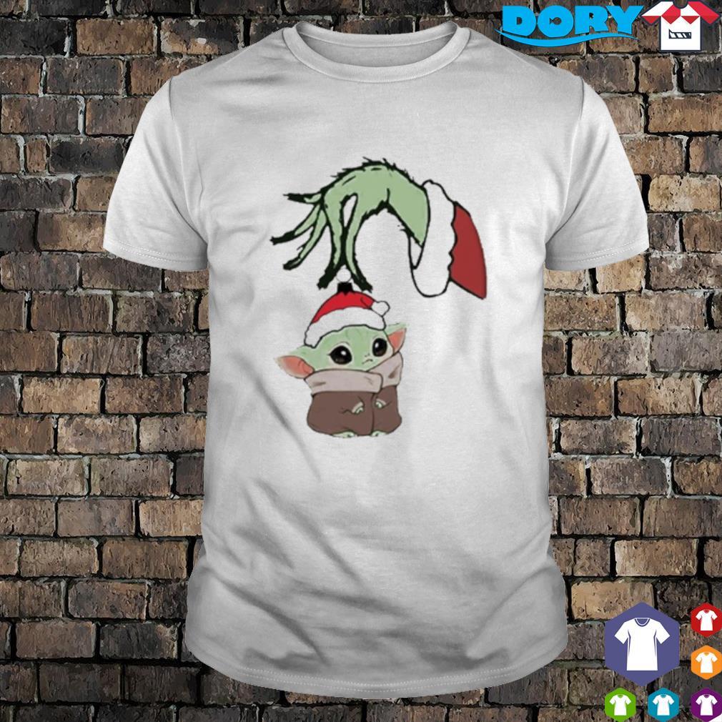 Grinch hand holding Baby Yoda Christmas shirt